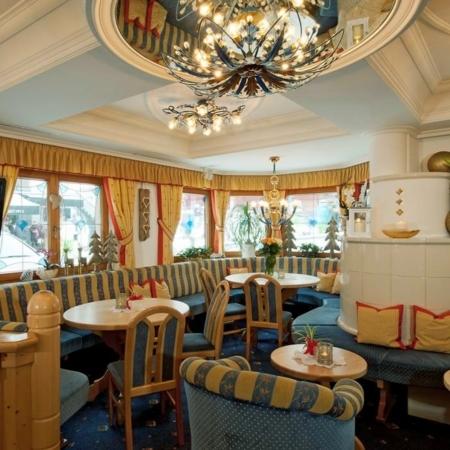 Hotel Garni Pazanella Ischgl_Barbereich