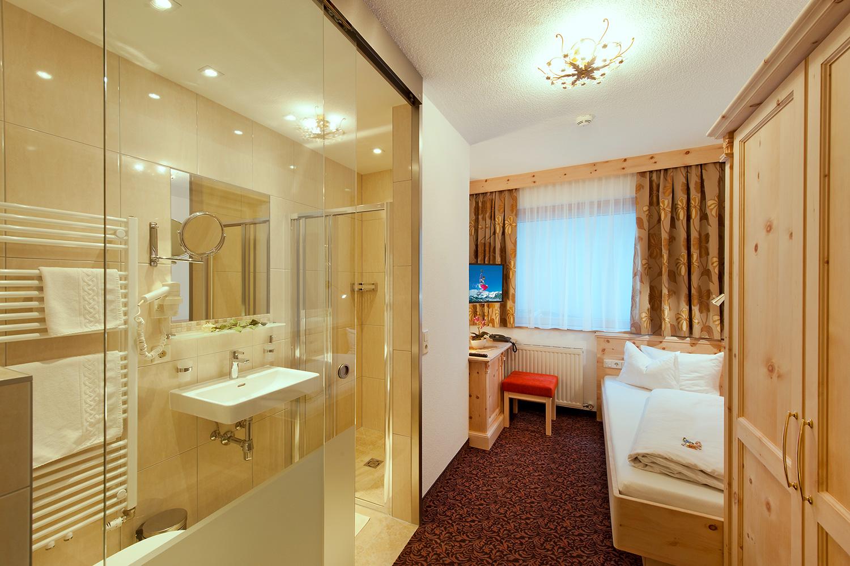 Hotel Garni Pazanella Ischgl_Einbettzimmer
